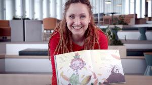 Sylwia Stasiak blir barne- og ungdomsansvarlig på Litteraturhuset Fredrikstad. Foto: Eivind Volder Rutle